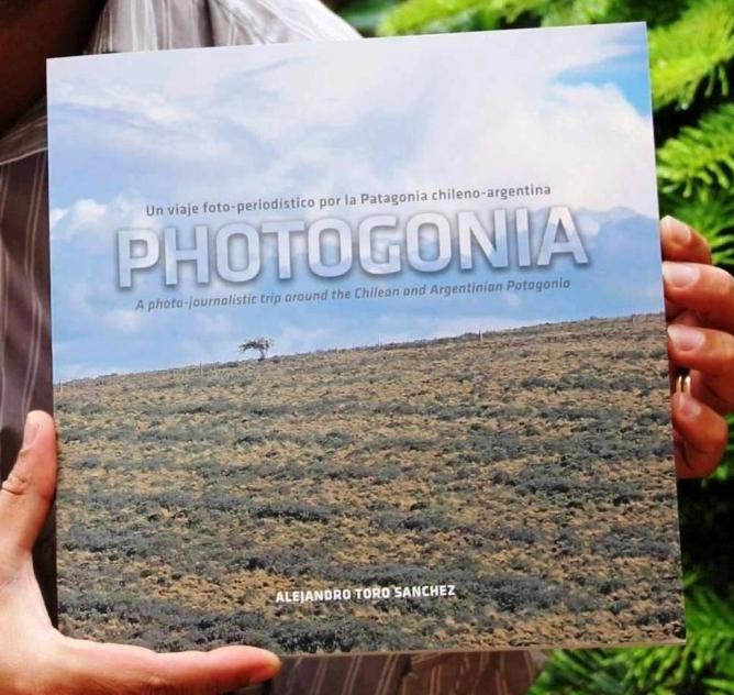 Libro de fotografías de la Patagonia chileno-argentina.